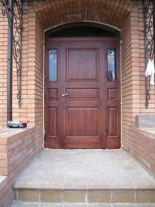 двери из массива дерева в нижнем новгороде