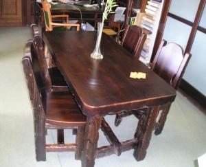 Комплект: стол и 4 стула, массив березы с эффектом старения.